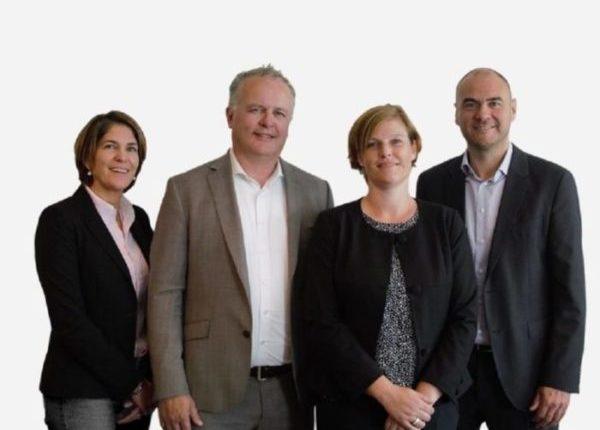 Het team van Morgen Uitvaart: Anita Brokking, Roelof Marskamp, Patricia Rijkens en Patrick van den Oetelaar